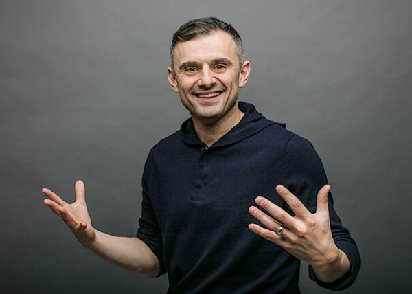 Gary Vaynerchuk Tests His Mental Toughness While Eating Spicy Wings