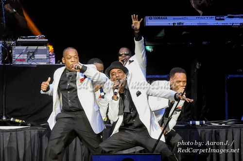 New Edition s Ricky Bell, Johnny Gill, Ronnie DeVoe, Michael Bivins, and Ralph Tresvant