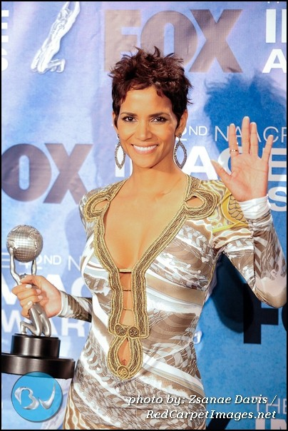 halle berry 2011 naacp. Actress Halle Berry