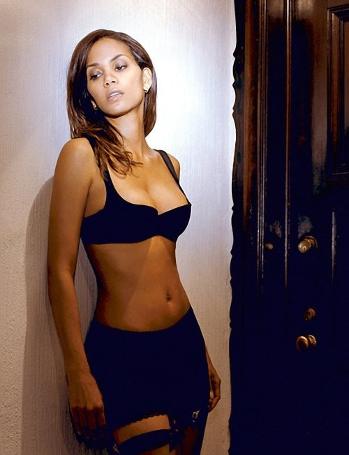 Halle Berry looking sexy in lingerie