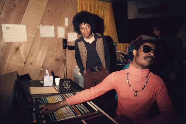 A 16-year old Michael Jackson and Stevie Wonder in the studio, 1974