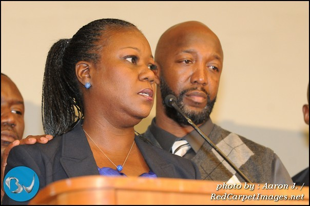 Sybrina Fulton speaks at the National Action Network convention