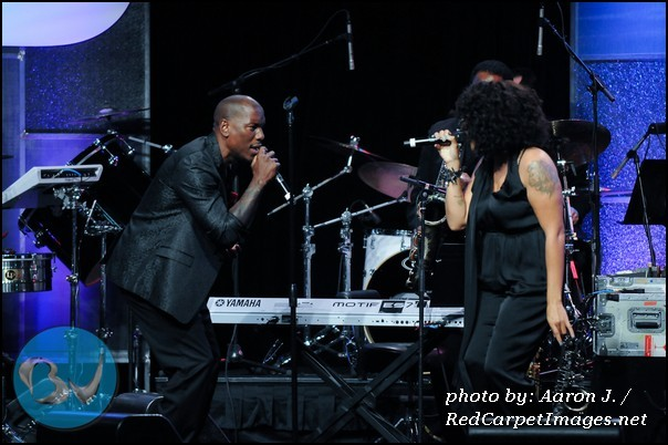 Marsha Ambrosius and Tyrese performing honoring Quincy Jones