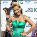 Keyshia Cole poses for a picture on the carpet at the 2010 BET Awards