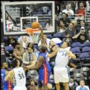 Jason Maxiell of the Pistons dunks