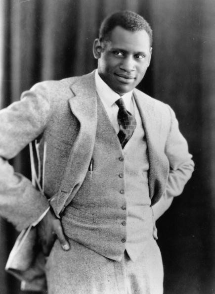 a biography of paul robeson an african american actor Paul leroy robeson stands as one of the most accomplished african-american figures that sprung forth from the harlem renaissance movement early during the 20 th century excelling in both academics and athletics, robeson would later take on singing and acting on his way to becoming an international.